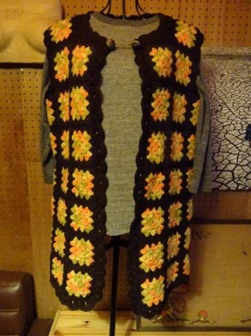KNIT VEST brown