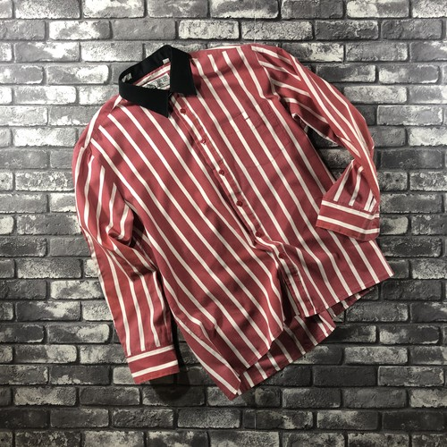 Red×White Stripe Shirts