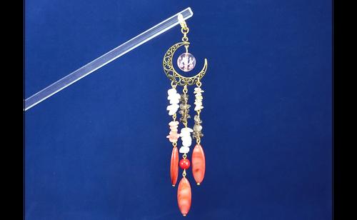 「RaspberryMoon(紅の月)」天然石簪