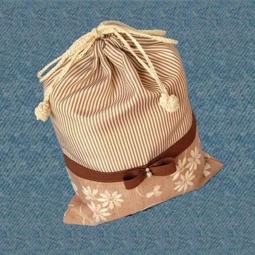 フラワー刺繍とリボンの携帯用シューズ袋 (ハーフサイズ)