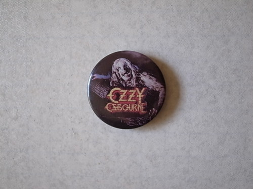 BADGE / OZZY OSBOURNE