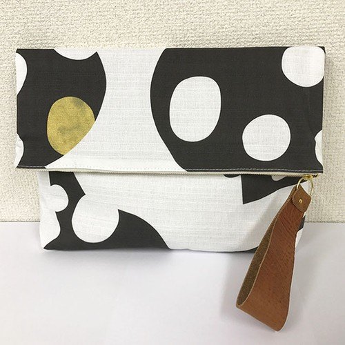 "clutch bag ""かえってきた小籠包のパターン"""