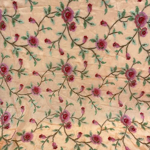 インド製フラワー刺繍ファブリック サーモンピンク(1m)