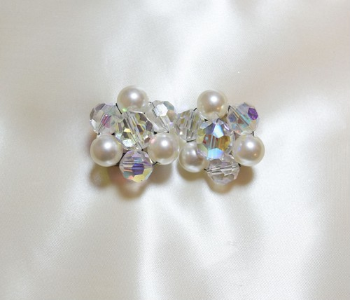 VINTAGE pearl x cut grass beads earring