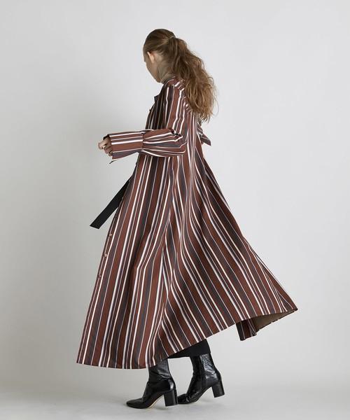 袖デザインストライプロングワンピース(ブラウン)