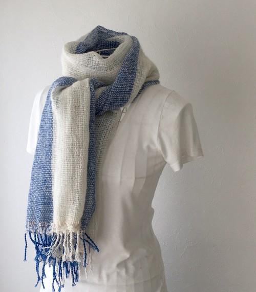 """【ベビーアルパカ&綿:オールシーズン】ユニセックス:手織りストール """"Blue & White"""""""