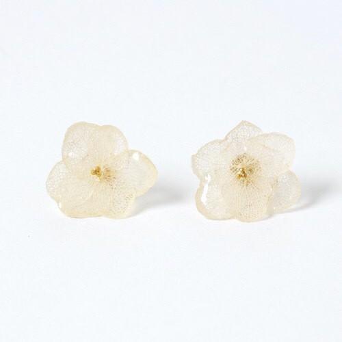 ひとひら紫陽花のピアス*ホワイト*PC004