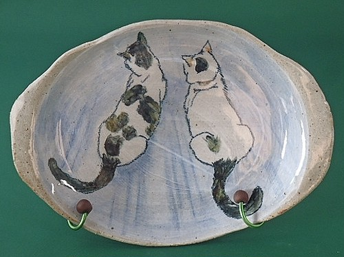 猫の絵皿・まったり猫