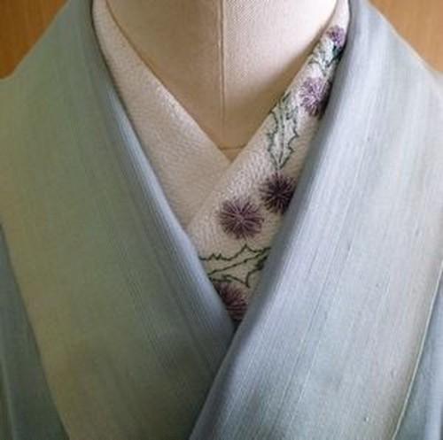 ぼたんさんの日本刺繍半襟(薊)