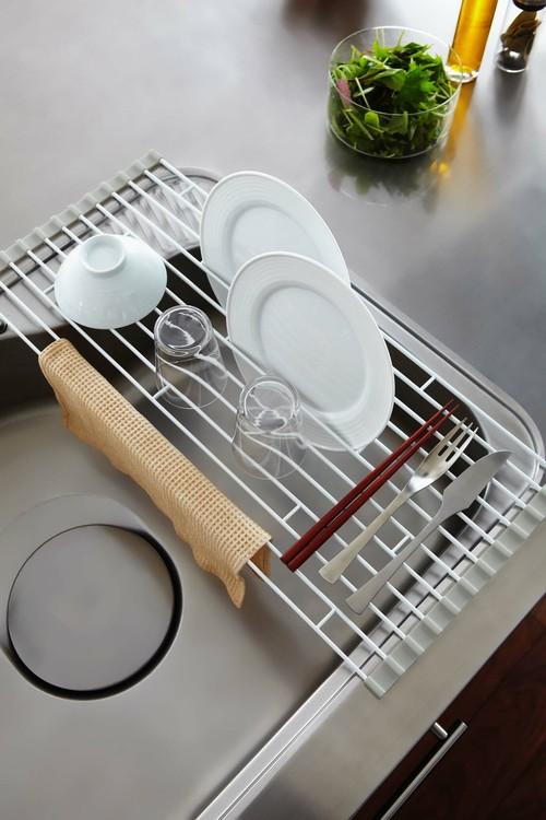 キッチンをスタイリッシュに!!くるくる巻ける水切りL
