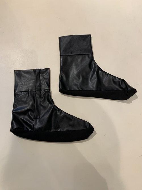 GVGV FAKE LEATHER SOCKS (BLACK)