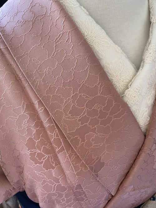 〈牡丹溢れる織り出し小紋〉オトナピンク SALE  個性的 洒落紋 送料無料 Sサイズ