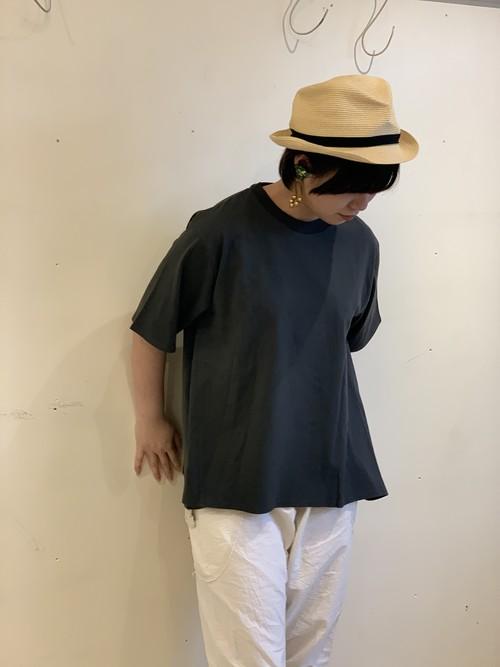 eka::  後ろギャザーTシャツ