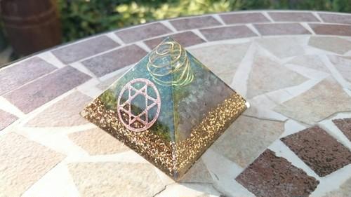 K42★ピラミッド(中)クフ王対比六芒星オルゴナイト〜明るい未来へ〜