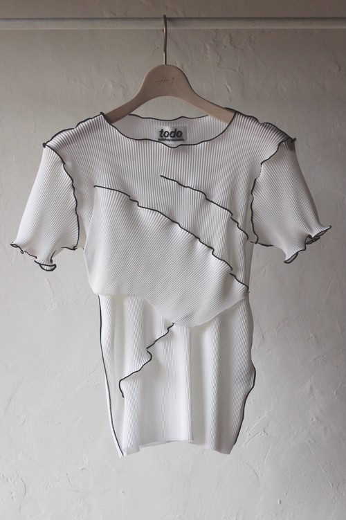 【KOTOHAYOKOZAWA】pleats top short sleeve-white