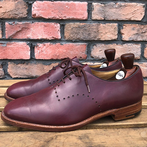 Trickers × 6876 Burgundy Shoe Made in Northampton England