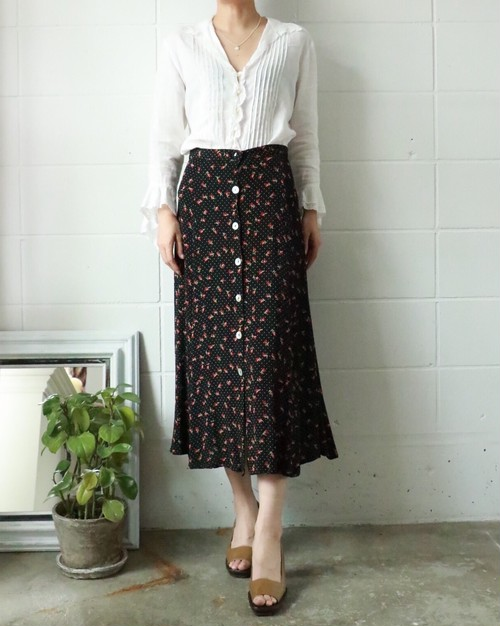 dots and flower flare skirt