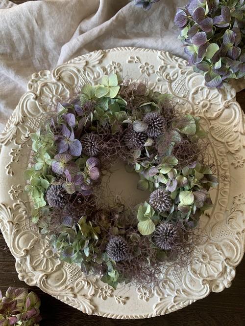 秋色紫陽花と瑠璃玉アザミのニュアンスカラーオーバルリース