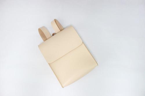 JAPAN LANSUI DESIGN 名入れ対応 ヌメ革手作り手縫い リュックサック 通学通勤 品番H7SFJFD45