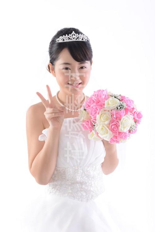 【0127】ブーケを持つ花嫁