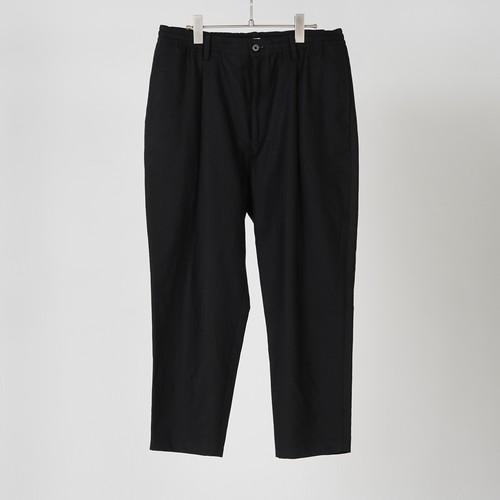 BACK SATIN TAPERD PANTS (BLACK) / GAVIAL