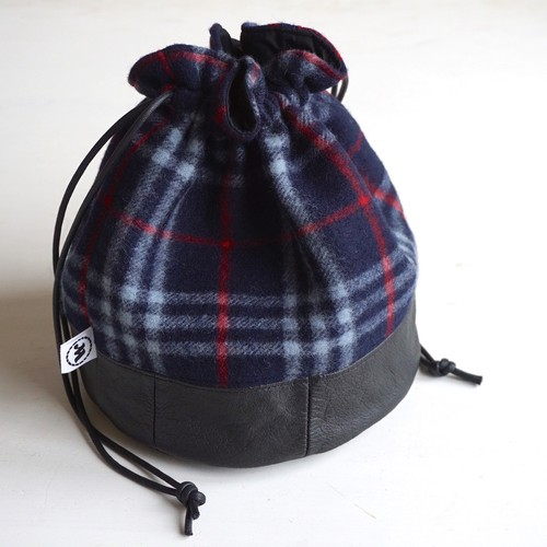 "[Magfacture] ""DRAWSTRING BAG"" Nova Check × Used Leather (Navy)"