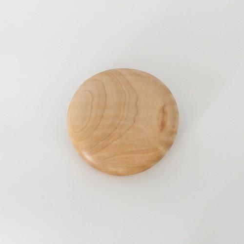 木のブローチ  maru Tochi