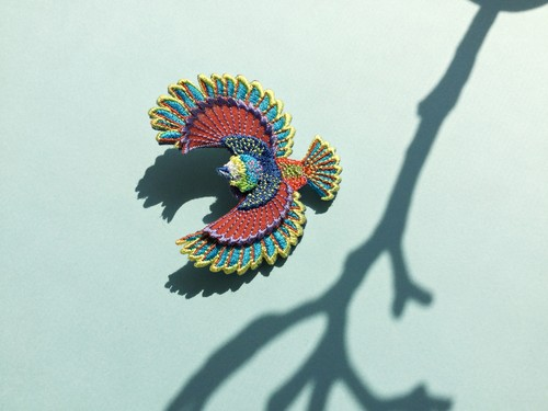 ARRO / 刺繍 ブローチ / Flying bird / multi-color