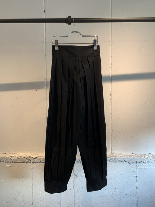 GHOSPELL Perfomance Pleat Trousers