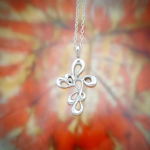 flora cross