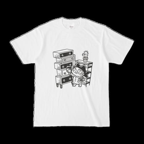 DIYをする猫Tシャツ