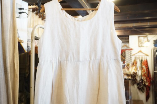 90's back button sleeveless cocoon Dress
