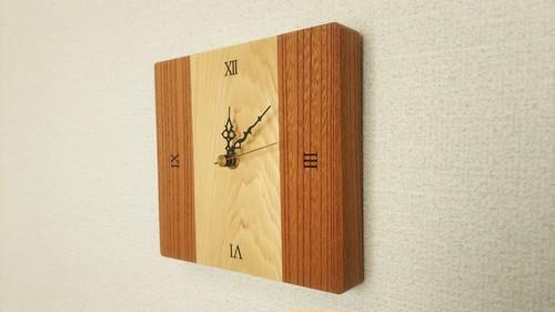 小さめ 木の壁掛け時計 Ⅱ