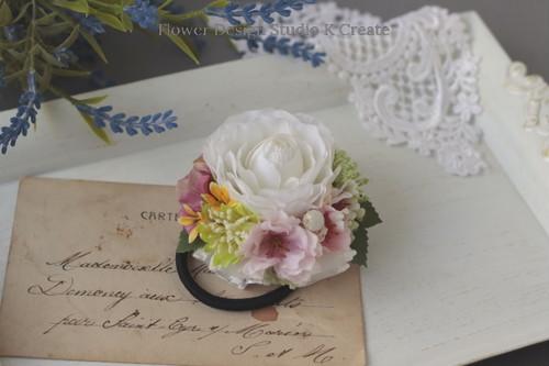 白いラナンキュラスと桜のヘアゴム レース お花 ヘアゴム 髪飾り お出掛け ヘアアクセサリー