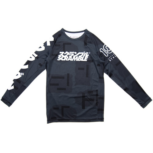 SCRAMBLE x 100A NIGHT CAMO RASHGUARD