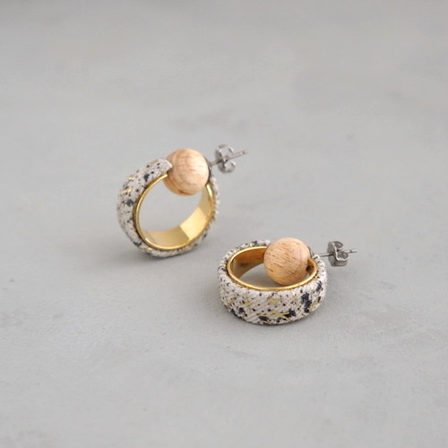 pierced earrings C-P34/earrings C-E34<gold>