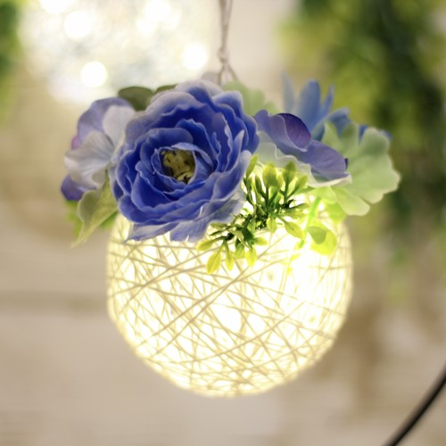 贈る灯り【6月】父の日に贈る〖青い花のフラワーランタン〗(白)