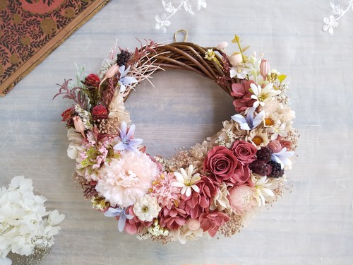 Jolie botanique<Framboise>*ハーフムーンリース*プリザーブドフラワー*お花*ギフト*結婚祝い*新築祝い*お誕生日祝い*ウェディング*母の日*フラワーギフト