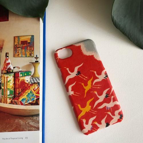 【KIMONO】赤に鶴・アンティーク着物のiPhoneケース