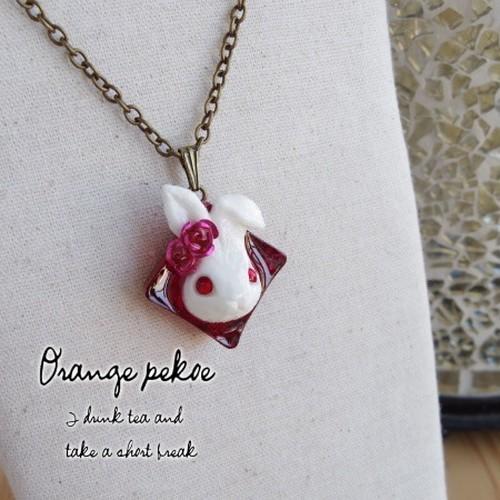 薔薇とウサギのスートモチーフネックレスNK017