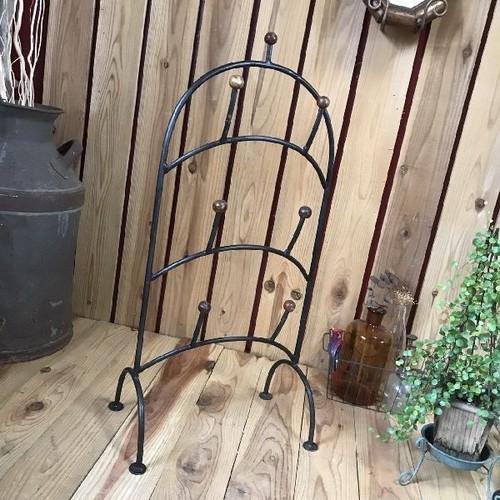 ヴィンテージ古いスリッパラック*鉄製アイアン×ウッドスリッパスタンド*スリッパ立*3足収納アンティークブラック錆インダストリアル工業系