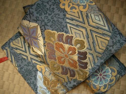 西陣正絹袋帯新品 グレー地