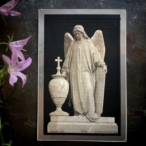 デスカード「天使の彫像」