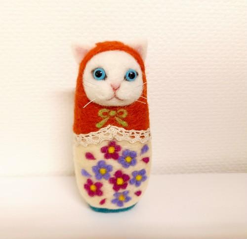 【マトリョーねこ】お花畑シロちゃん