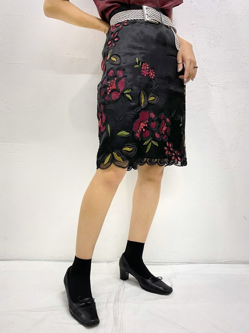 (TOYO) embroidery design tight skirt