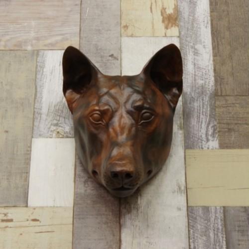 木彫り狼の壁掛け