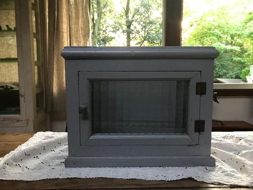四角い模様硝子の小さなキャビネット アンティーク家具