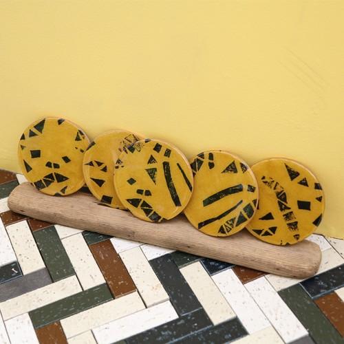 round plate ---mustard--- (each)