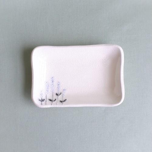 ラベンダー柄ガラス釉四角小皿