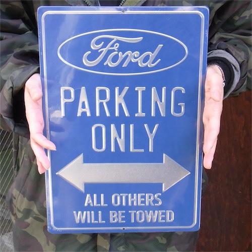 US アルミニウムサイン Ford PARKING ONLY